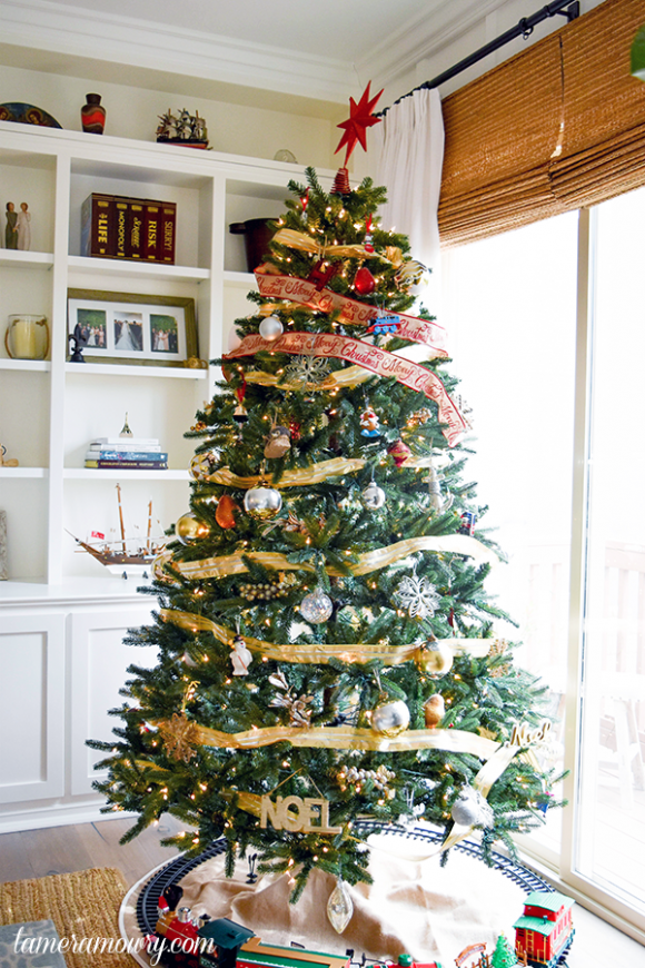 Tamera Mowry Christmas Tree