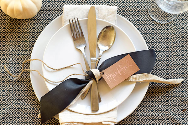 DIY Thanksgiving Place Setting Idea - Tamera Mowry