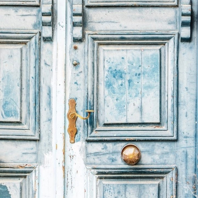 I have a serious love for beautiful doors! Especially oldhellip