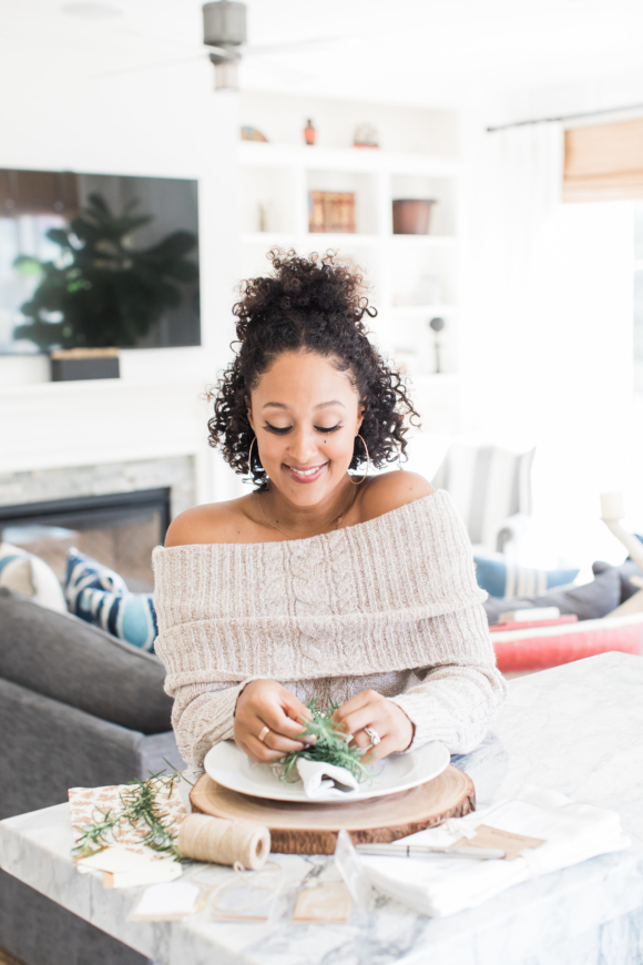 Tamera Mowry Table Setting DIY
